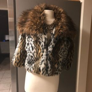 🎉🎉SALE PRICE FIRM ENDS 2/28🎉🎉 Venus coat